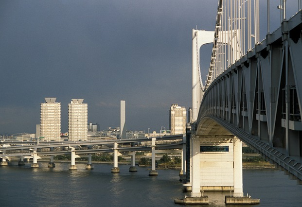 Tokio: il ponte Rainbow Bridge